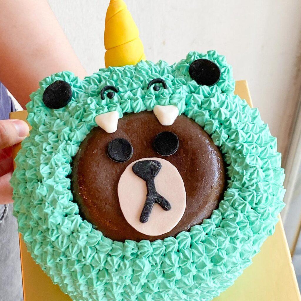 Custom Line Bear cake.